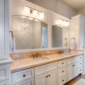 07082016-J2-Homes-Highland-Bathroom