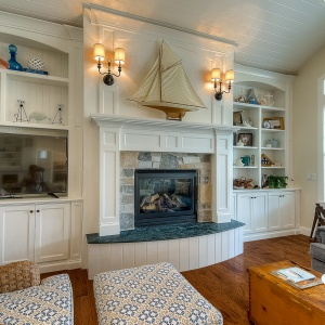 07082016-J2-Homes-Highland-Interior-Fireplace