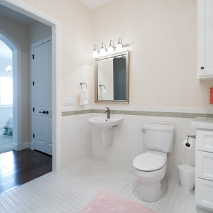 07082016-J2-Homes-Highland-Interior-Bathroom